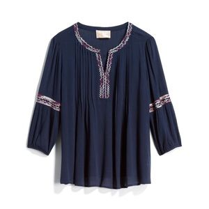 ✨🆕 Stitch Fix Elletra Embroidered Top